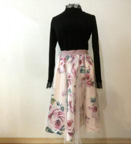 大きな花柄スカート